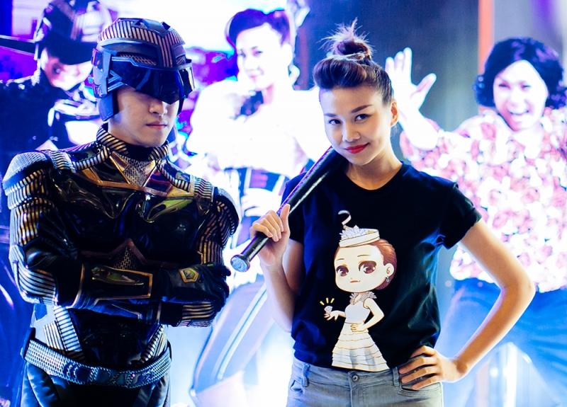 Thanh Hằng trong buổi liên hoan ra mắt phim Siêu nhân X