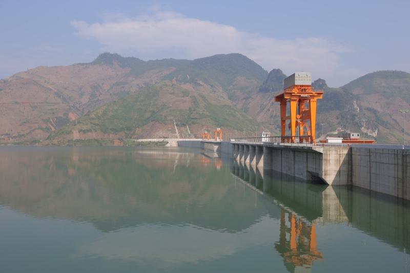 Đập thủy điện Sơn La.