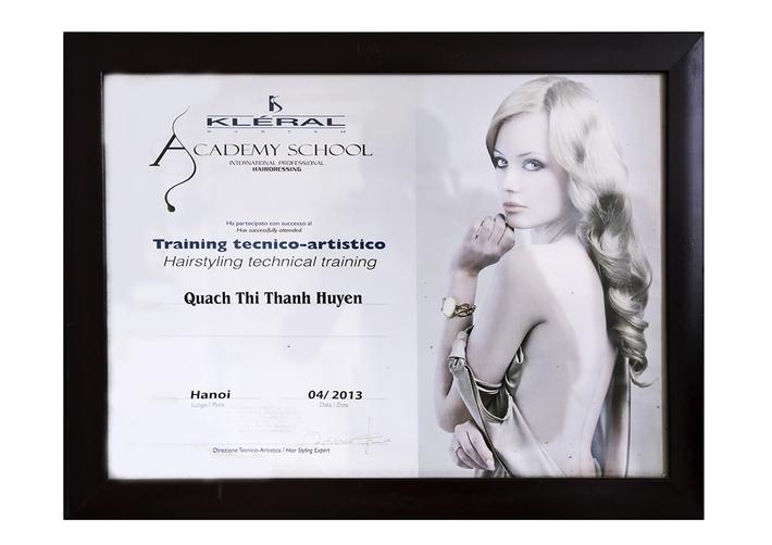 Giấy chứng nhận nhà tạo mẫu tóc chuyên nghiệp
