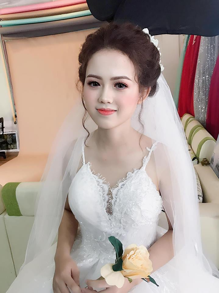 Thanh Nguyễn makeup