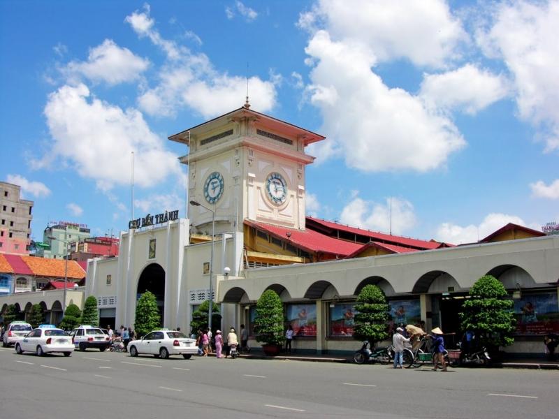 Ngày mới bắt đầu trên thành phố Hồ Chí Minh