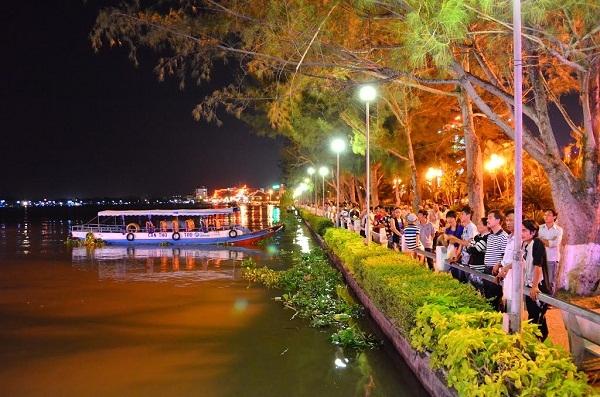 Bến Ninh Kiều xinh đẹp của thành phố Cần Thơ