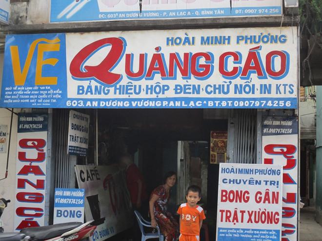 Những biển hiệu vẽ tay từng là một nét độc đáo nhiều năm về trước, làm nên một Sài Gòn rất lạ và rất thơ.