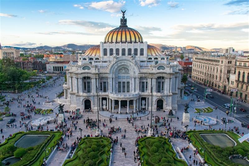 Thành phố Mexico được xây dựng trên những tàn tích của người Aztec cổ