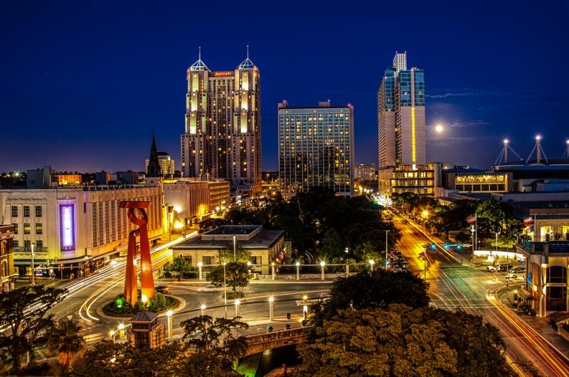 Thành phố San Antonio về đêm