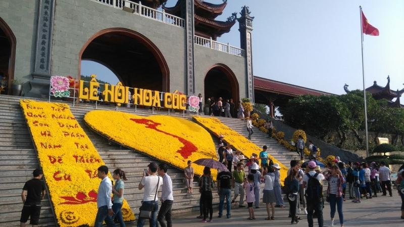 Lễ hội hoa cúc chùa ba Vàng năm 2016