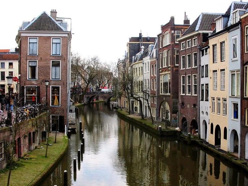 Utrecht được biết đến là một thành phố lâu đời nhất của Hà Lan nhưng lại ẩn chứa sự năng động, trẻ trung
