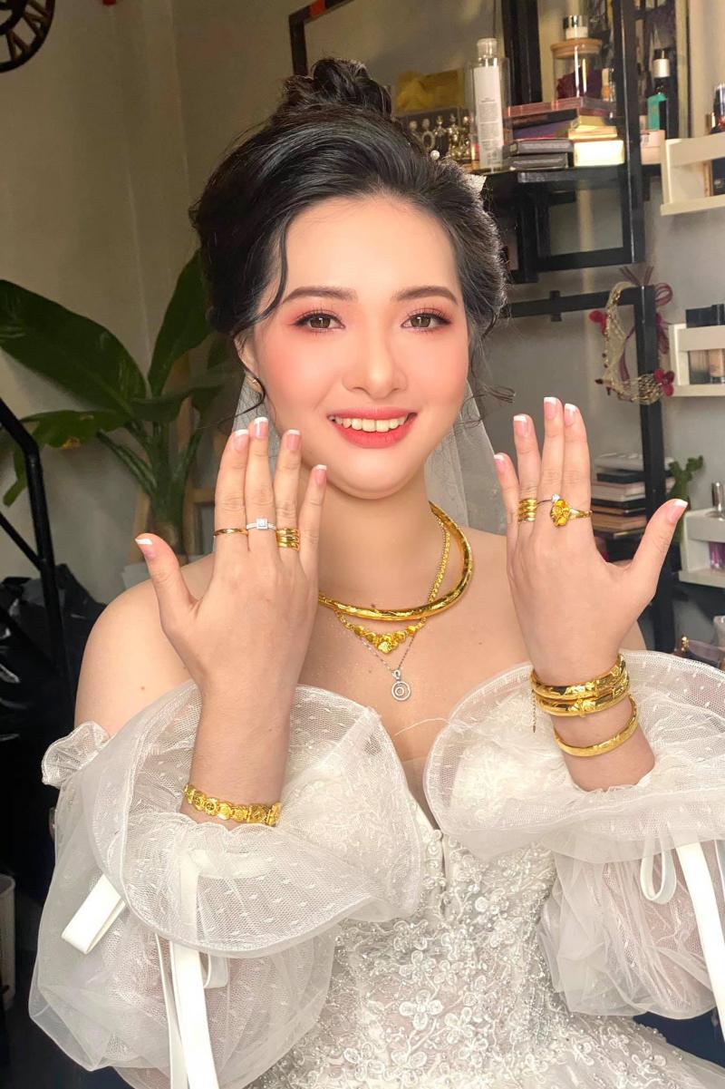THAO TRAN Makeup Artist