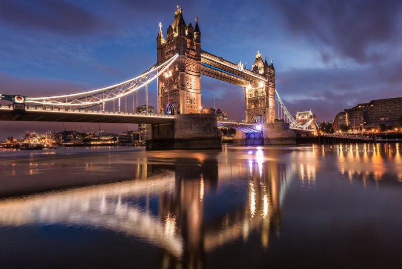 Tháp Cầu Trên Sông Thames