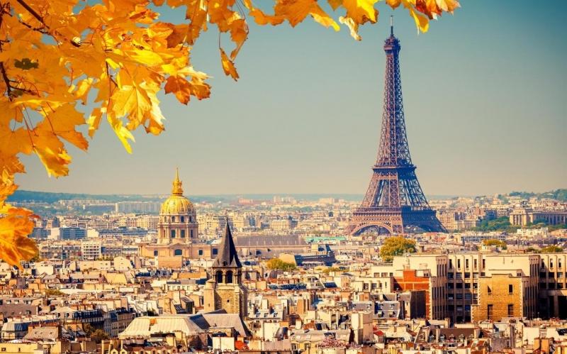 Vẻ đẹp hoa lệ của tháp Eiffel