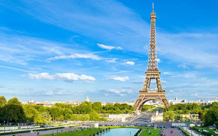 Tháp Eiffel – Pháp