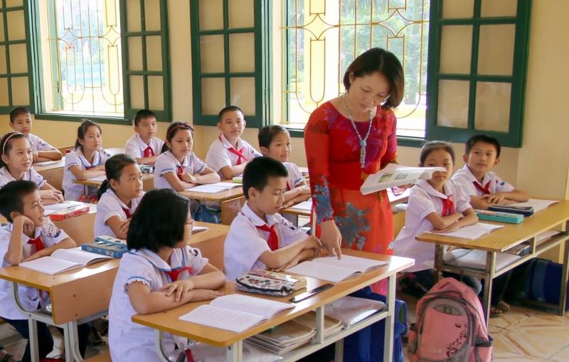 Thầy cô dạy dỗ em nên người