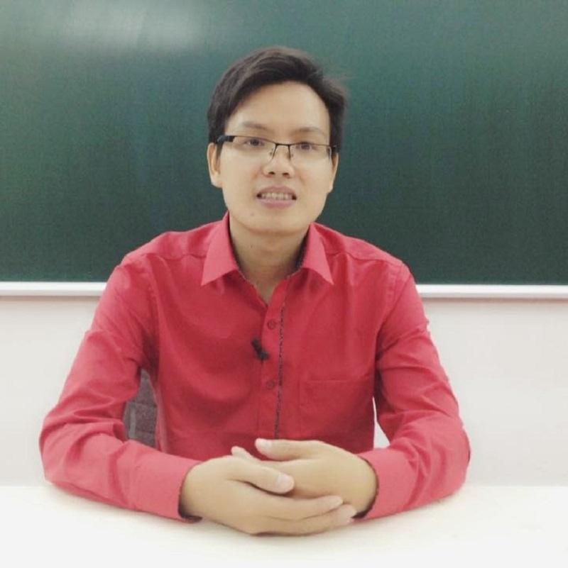 Chuyên gia ôn thi trực tuyến môn Vật lý - Thầy Đặng Việt Hùng.