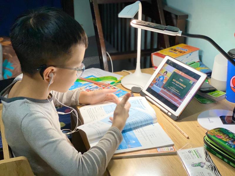 Học online cũng là một phương pháp học hấp dẫn, lôi cuốn.