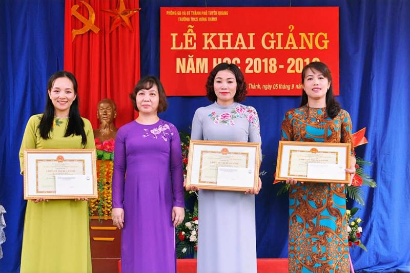Giáo viên Trường THCS Hưng Thành