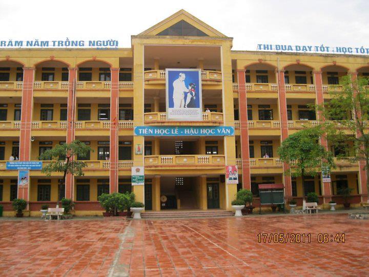 Trường THCS Tứ Hiệp