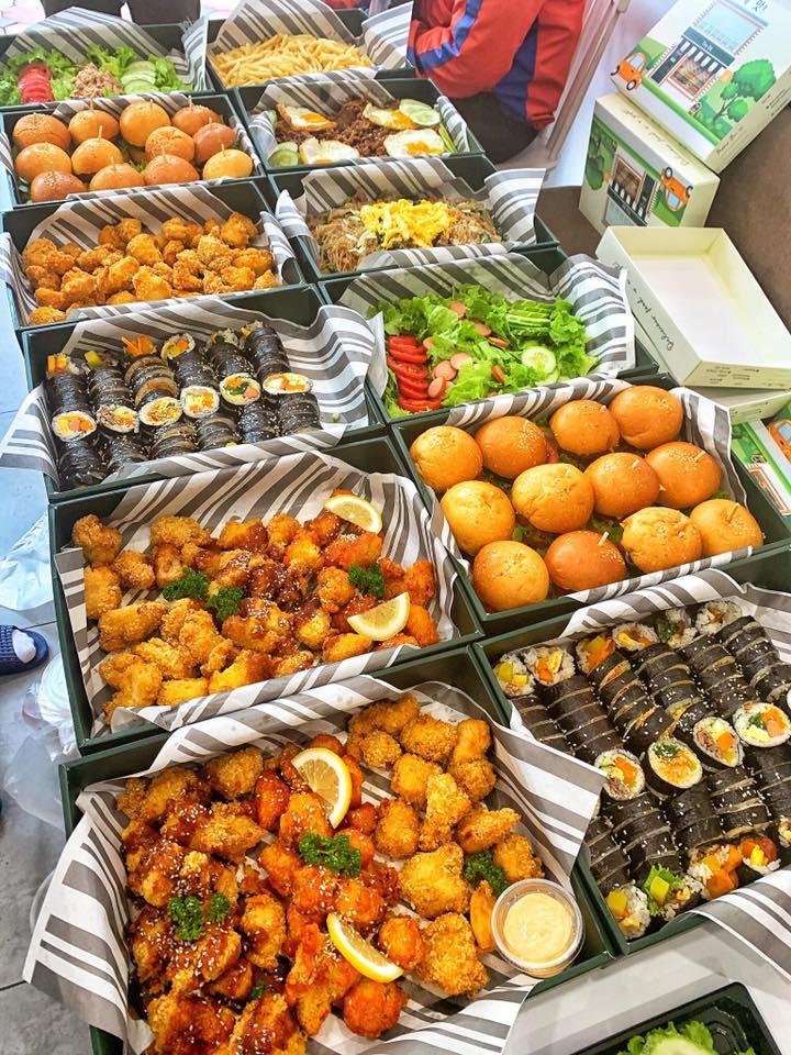 The B – Original taste là một địa chỉ chuyên món Hàn ra đời vào năm 2018 có độ hot mạnh mẽ tại Hà Thành.