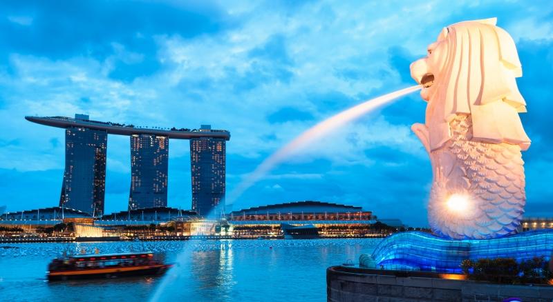 Thành phố Singapore tỏa sáng về đêm