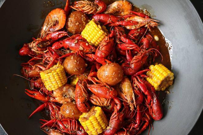 Top 10 Nhà hàng hải sản ngon tại Quận 7, TP. HCM