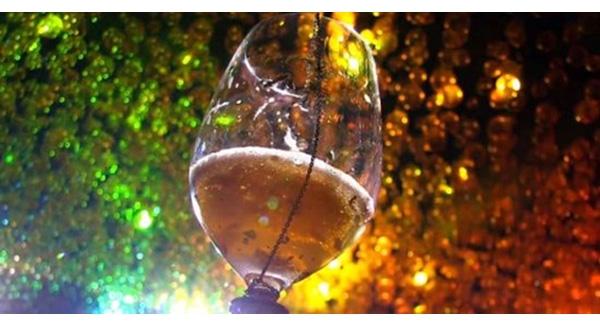Ly Cocktail Jewel of Pangaea khiến cho thực khách cảm nhận mình đang trên đỉnh vinh quang khi được nếm thử nó
