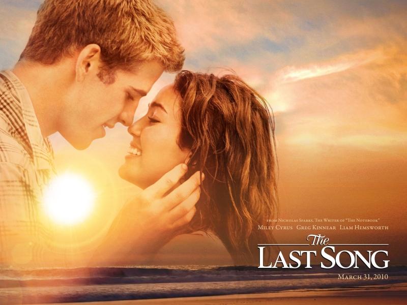 Miley & Liam từ trong phim đến ngoài đời
