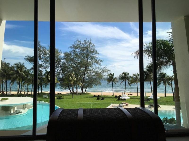 Không chỉ có view đẹp lung linh, resort này còn có cách thiết kế và bài trí khá độc đáo