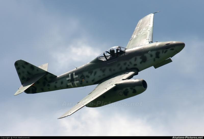 Chiến đấu cơ Messerschmitt Me-262 Swallow của Đức.