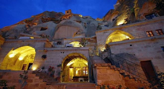 Khách sạn mang nét hoang dại, cổ xưa đầy ma mị
