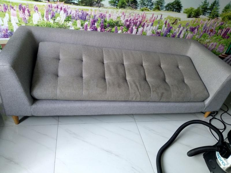 Sofa lúc chưa được vệ sinh
