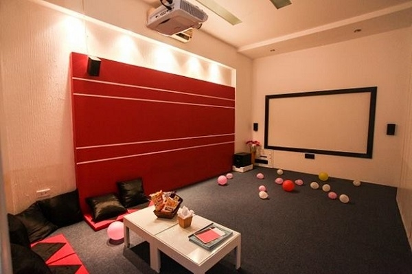 Không gian thoải mái tại The0 Coffee phim