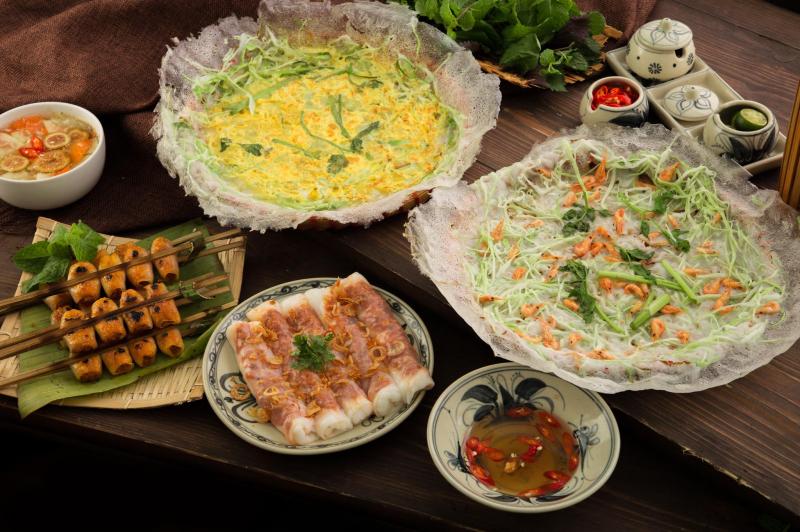 Thị Bốp với Bánh cuốn Tôm Thanh Hoá