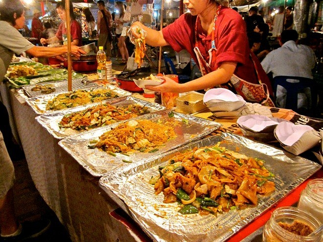 Người dân Malaysia rất thích mua đồ ở chợ đêm