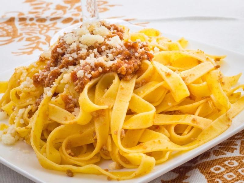 Thành phố Bologna của Italy là nơi khai sinh ra món Tagliatelle alla Bolognese nổi tiếng