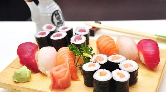 Sushi là món ăn Nhật Bản nổi tiếng mà bất kỳ ai cũng biết