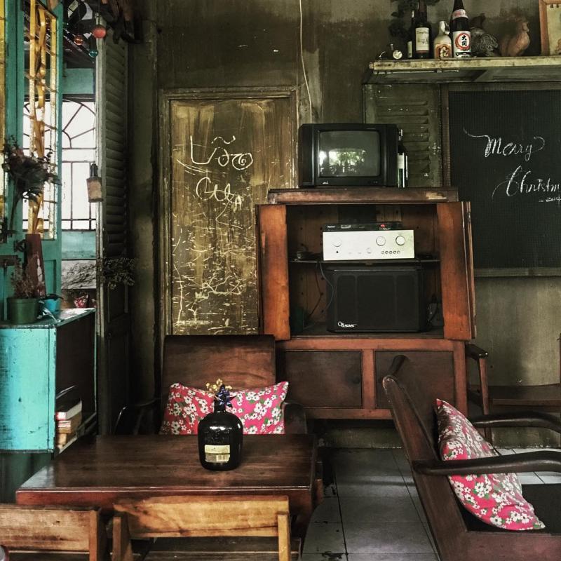 Không gian một quán coffe hoài cổ ở Sài Gòn
