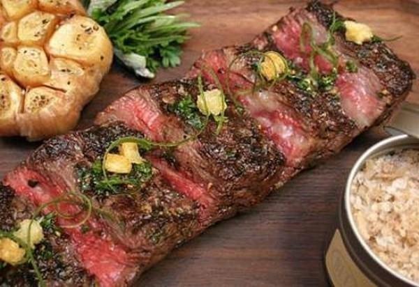 Thịt bò bít tết Wagyu