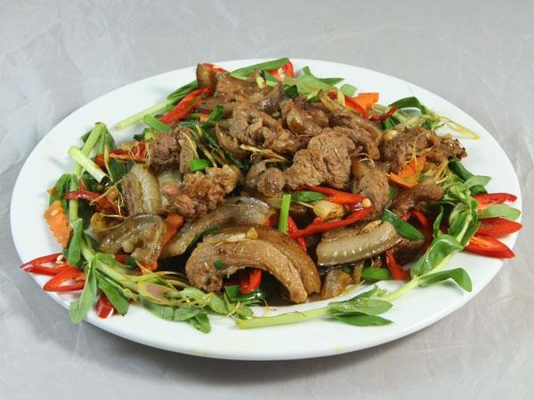 Về Ninh Bình bạn nhớ một lần nên thưởng thức món thịt dê