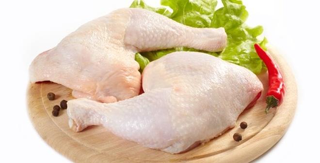 Bệnh nhân nên ăn thịt đùi gà vì chứa ít chất béo