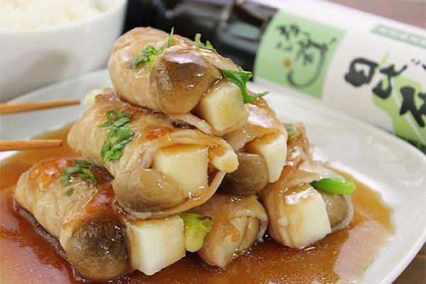 Thịt heo cuộn măng hầm
