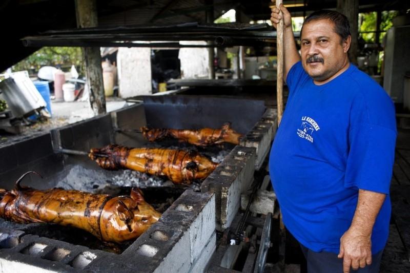 Thịt lợn dọc đường Ruta Del Lechon