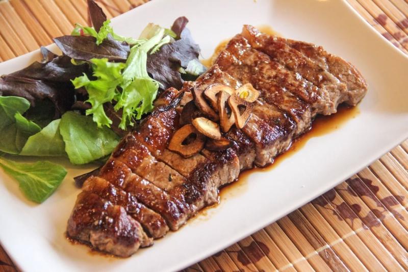 Thịt nạc có màu đỏ giúp tăng cường thể lực cho nam giới