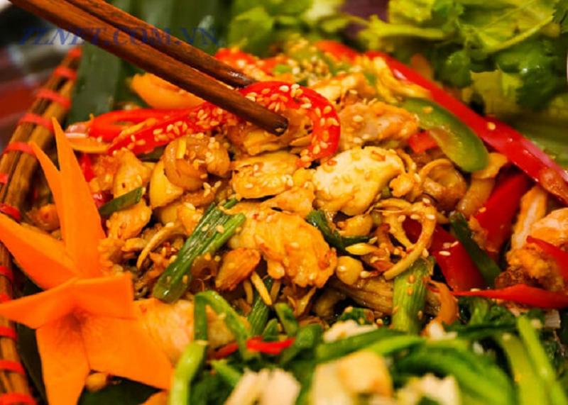Thịt thỏ xào nấm cũng là một trong những món ăn từ thịt thỏ tương đối dễ làm và dễ ăn