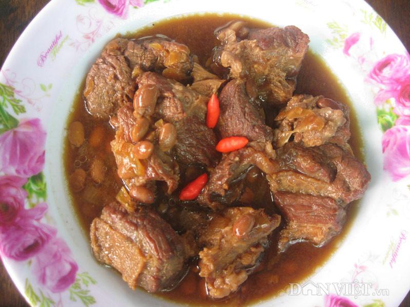 Thịt trâu kho chua ngọt với màu sắc bắt mắt
