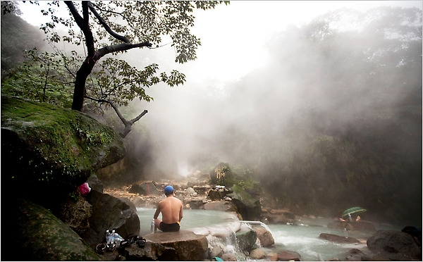Thỏa sức đắm mình trong những dòng suối nước nóng tự nhiên