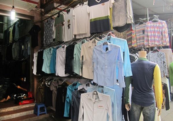 shop quần nam trong chợ