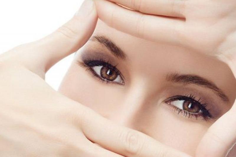 Khoảng cách giữa 2 lần nhỏ thuốc nhỏ mắt rất quan trọng đối với sức khỏe đôi mắt