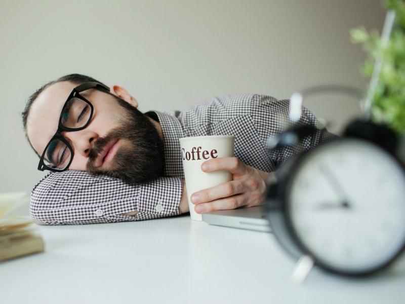Ăn xong rồi ngủ luôn - chắc không sao đâu!