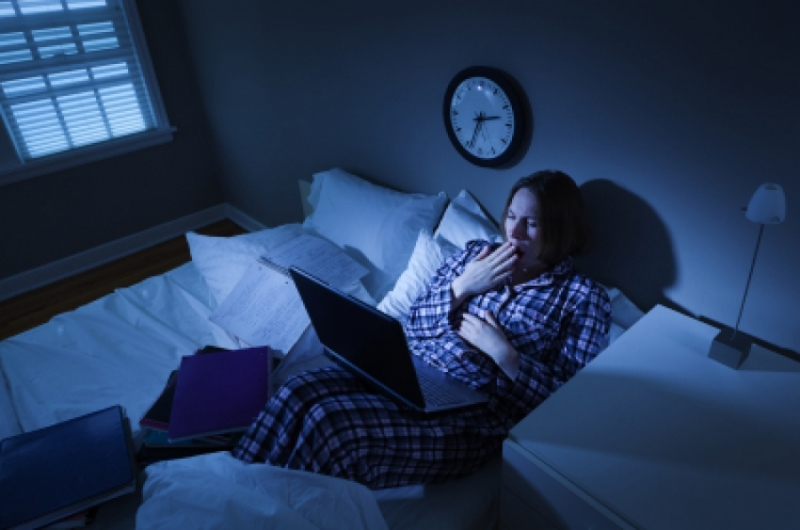 Đi ngủ quá trễ