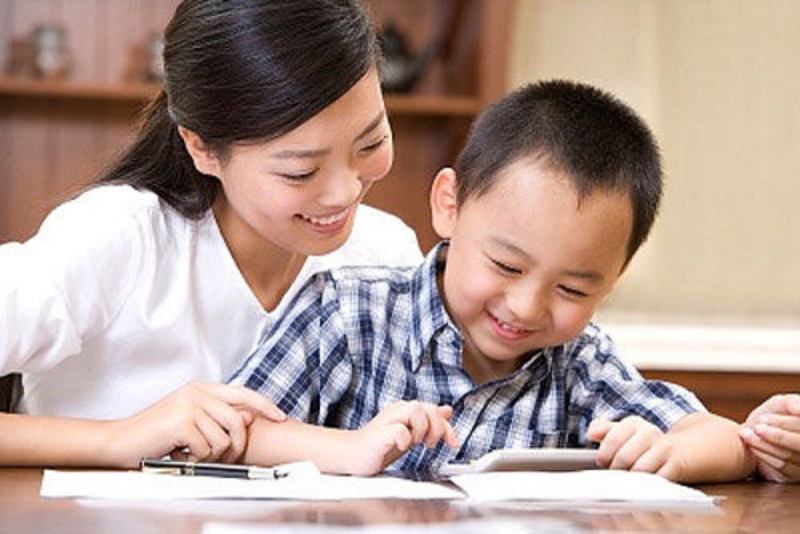 Cha mẹ hãy nên lịch học cho con phù hợp.