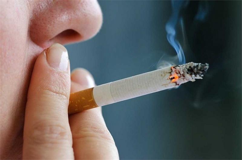 Thói quen hút thuốc lá làm tăng nguy cơ ung thư đại tràng